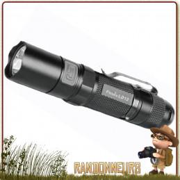 Lampe torche puissante, la FENIX LD12 donne 125 lumens sur près de 87 mètres, seulement sur une pile AA