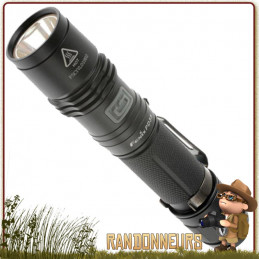 lampe torche ultra puissante, la FENIX PD35 donne 1000 lumens sur près de 250 mètres, sur deux piles CR123A